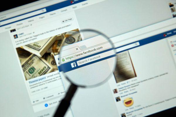 Facebook páginas que compartilham notícias falsas vão ter anúncios bloqueados